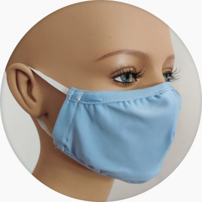 mascherina in tessuto tecnico azzurra