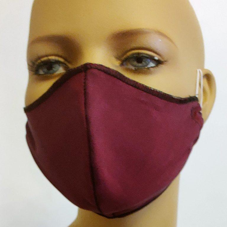 mascherina in cotone doppiata in TNT bordeaux